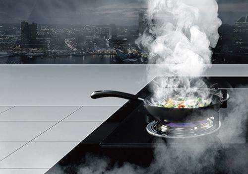 餐馆厨房排烟不使用餐饮油烟净化器,让周边的住户苦不堪言