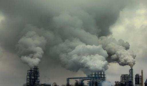 厨房排烟环境破坏严重影响附近住户的衣食住行坏境