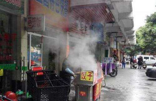 华人以便吃,不乏钻研至深,会制作各类菜式