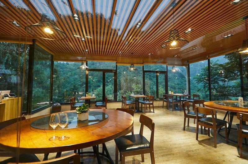 大多数餐厅经营者选择安装低空油煙淨化器