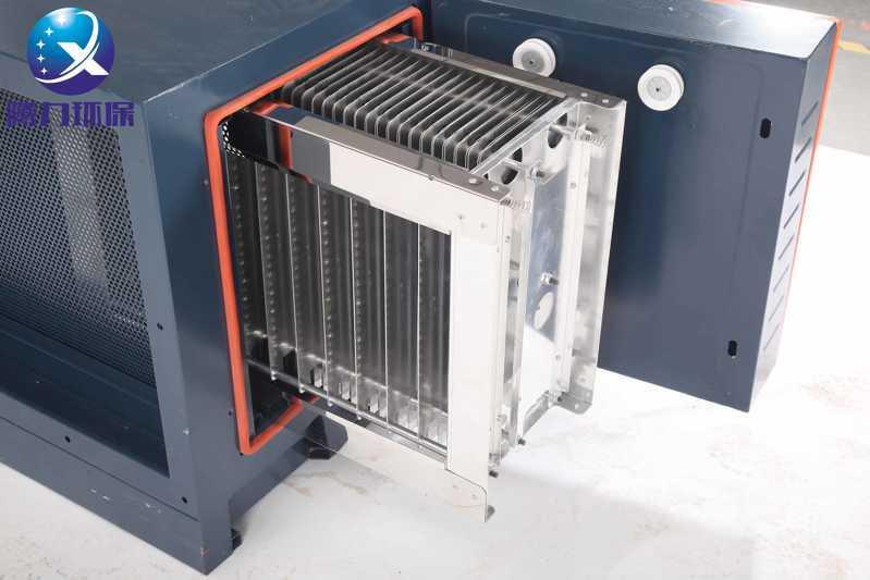 油烟净化设备清洗电场需要缓慢放入溶液中